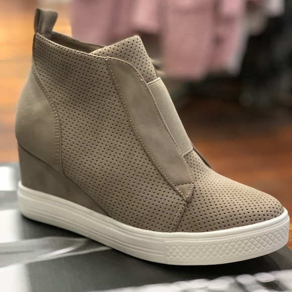 CCOCCI Shoes   Taupe Zoey Wedge Sneaker